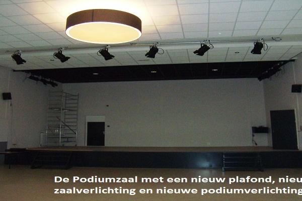 6._De_vernieuwde_Podiumzaal_1_.jpg